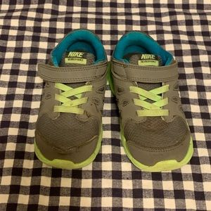 NIKE toddler shoes size 8